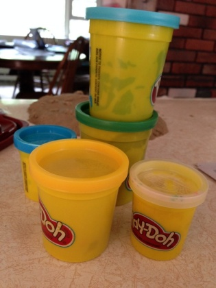 play doh cans