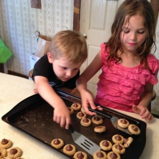 taking cookies off the pans